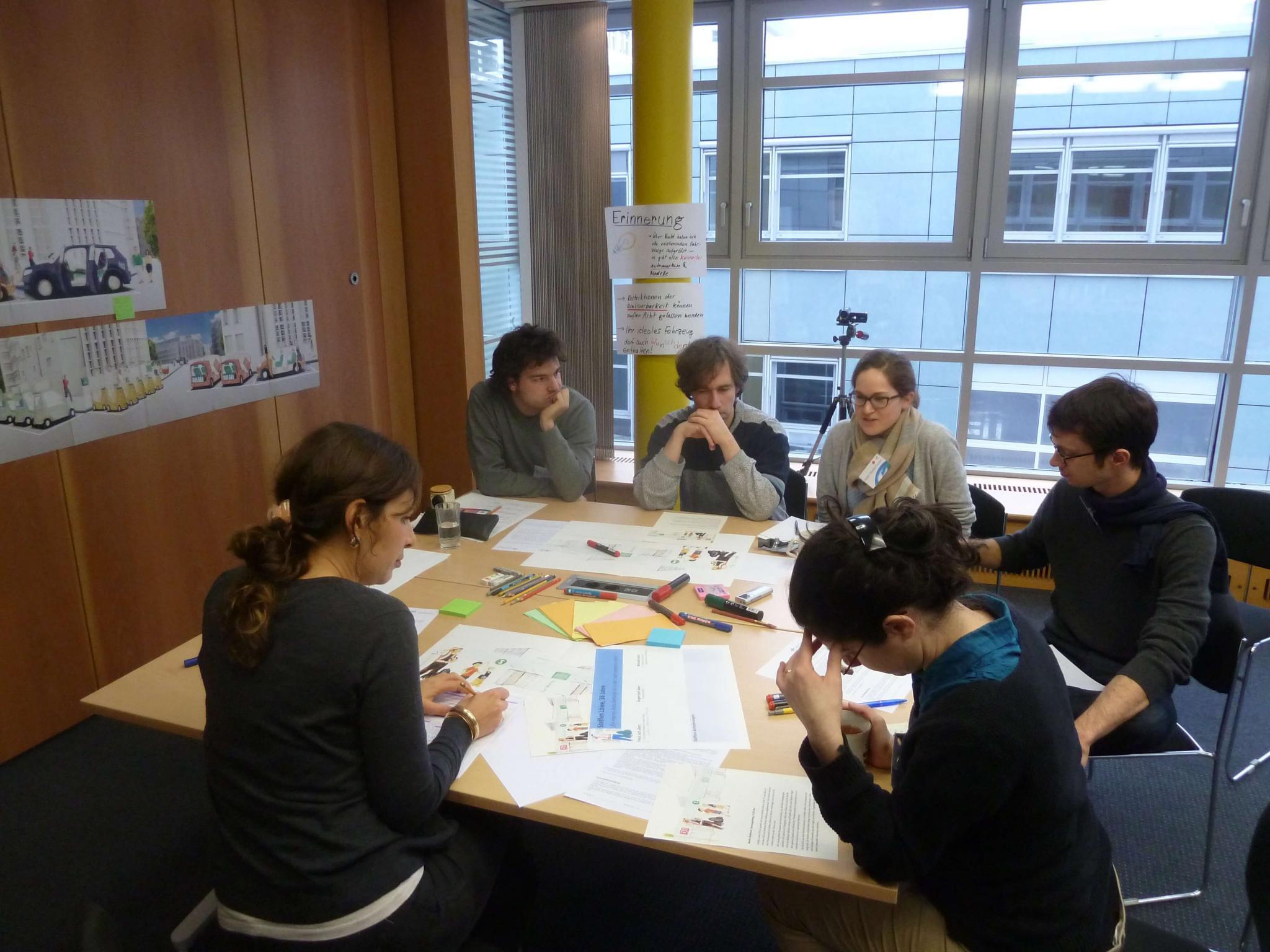 DLR Verkehrswissenschaftler bei der Arbeit